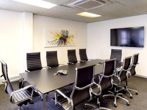 SquareUos_0004_Meetings